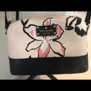 Gorgeous Kate spade crossbody ♠️ like new!